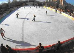 s-a-deschis-patinoarul-drumul-taberei-bucuresti-program-patinoar-pret-patinoar