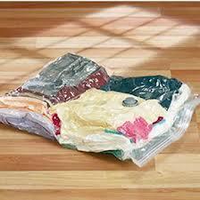 depozitare haine in saci