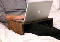 măsuță pentru laptop din lemn